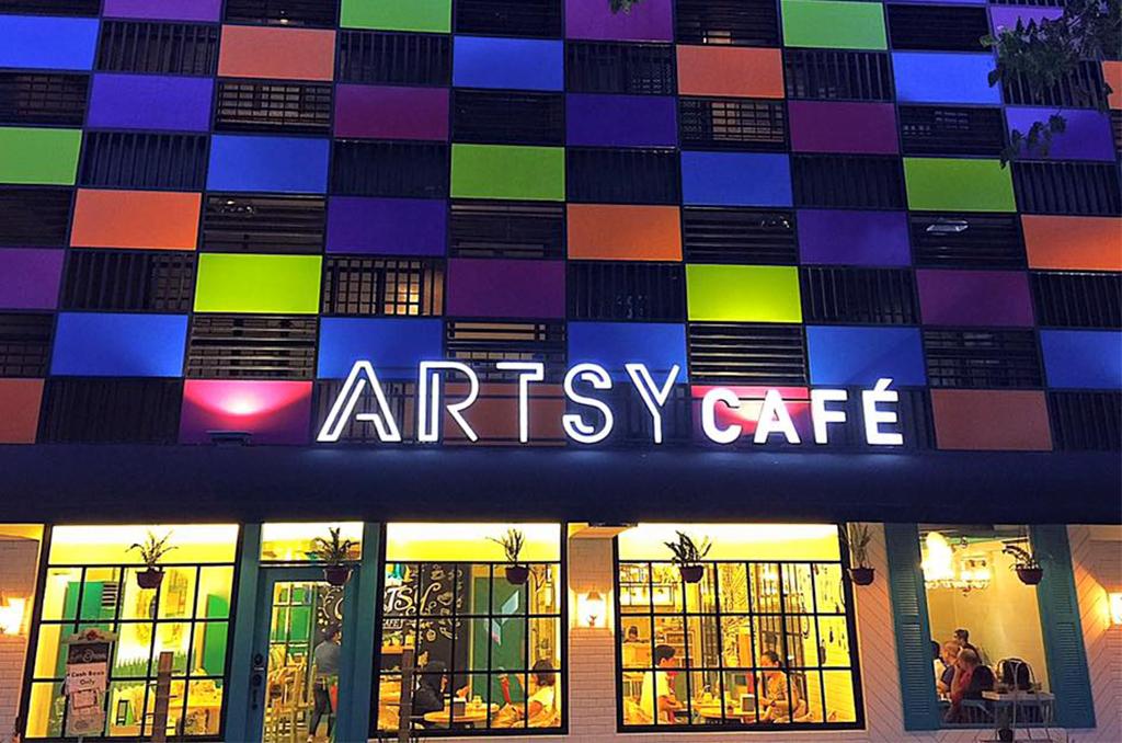 Feel at Home at Artsy Cafe