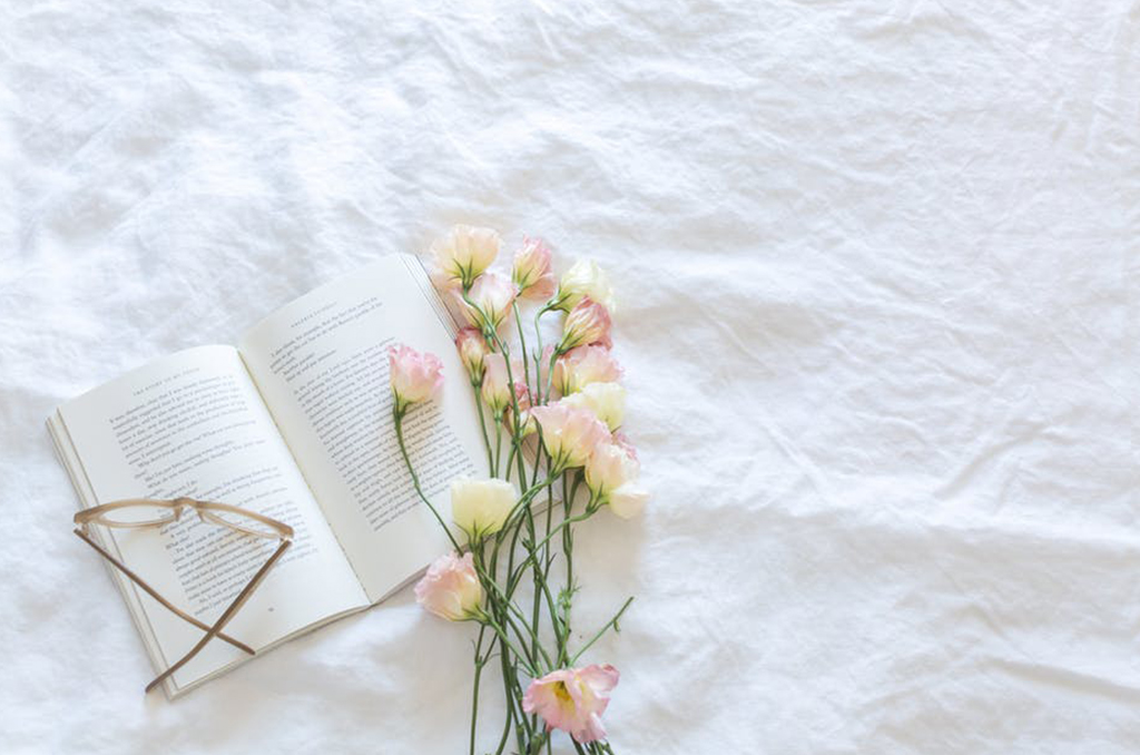 5 Books You Can Read When You're a Hopeless Romantic